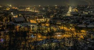 Viejo panorama de la ciudad de Vilna en la noche Fotografía de archivo libre de regalías