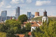 Viejo panorama de la ciudad de Vilnius fotos de archivo libres de regalías