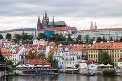 Viejo panorama de Praga Fotografía de archivo libre de regalías
