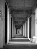Viejo paso en buliding abandonado, torre del fantasma de Sathorn, Bangkok, imagenes de archivo