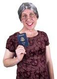 Viejo recorrido mayor maduro feo divertido del pasaporte de la mujer fotos de archivo