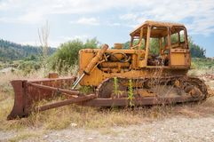 Viejo Rusty Bulldozer Foto de archivo libre de regalías