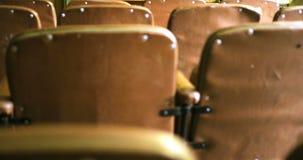 Viejo sitio del cine del vintage en fábrica almacen de metraje de vídeo