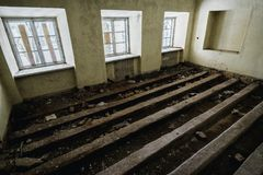 Viejo sitio espeluznante abandonado de la casa señorial Fotografía de archivo libre de regalías