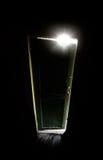 Viejo sitio oscuro con el brillo a puerta cerrada fotografía de archivo