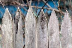 Viejo sostenido de madera de la cerca Fotografía de archivo