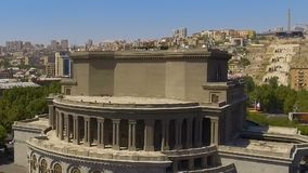 Viejo teatro académico nacional armenio de la ópera y del ballet, visión aérea, historia almacen de metraje de vídeo