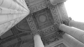 Viejo techo de las columnas Fotos de archivo