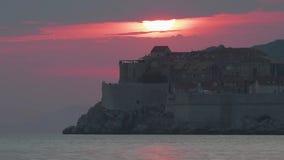Viejo timelapse del panorama de la puesta del sol de la ciudad de Dubrovnik almacen de metraje de vídeo