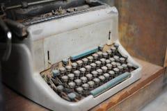 viejo tipo retro technolo manual tan clásico del vintage de la máquina del escritor Imagenes de archivo