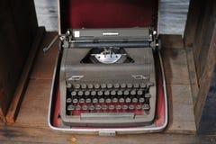 viejo tipo retro technolo manual tan clásico del vintage de la máquina del escritor Imágenes de archivo libres de regalías