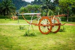 Viejo uso del carro de Tailandia con el búfalo para la agricultura imagen de archivo libre de regalías