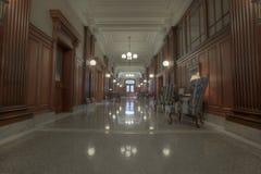 Viejo vestíbulo del edificio histórico imágenes de archivo libres de regalías