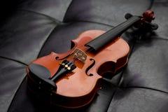 Viejo vintage clásico del violín Imagenes de archivo