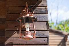 Viejo vintage de la lámpara de la linterna Foto de archivo libre de regalías