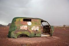 Viejo vintage y ruina aherrumbrada del coche, Marruecos Fotos de archivo libres de regalías