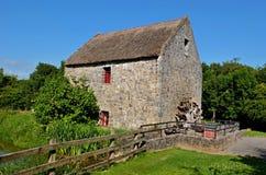 Viejo watermill de piedra Foto de archivo libre de regalías