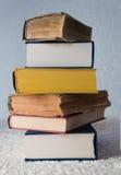 Viejo y nuevos libros imágenes de archivo libres de regalías