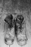 Viejo y sucio ejército tailandés de las botas de combate Fotos de archivo