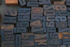 Viejos bloques de impresión de madera de la tipografía del vintage fotos de archivo