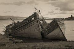 Viejos boads encallado en la isla Mull Foto de archivo libre de regalías