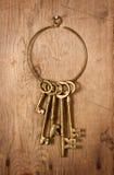 Viejos claves de cobre amarillo Foto de archivo