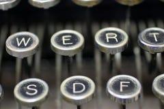 Viejos claves de la máquina de escribir Foto de archivo libre de regalías