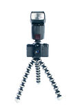 Viejos cámara y flash de la foto en el trípode Imagen de archivo