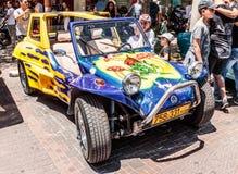 Viejos deportes Volkswagen Beetle en una exposición de coches viejos en la ciudad de Karmiel Fotografía de archivo