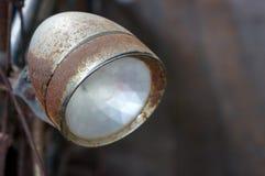 Viejos linterna y moho retros, primer de la bicicleta del vintage foto de archivo libre de regalías