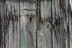 Viejos madera y perno texturizados en una vertiente vieja Imágenes de archivo libres de regalías