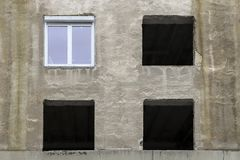 Viejos marcos de la foto en la pared fotos de archivo
