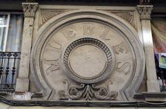 Viejos muebles españoles de las insignias Fotos de archivo