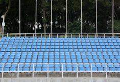 Viel blauer Stuhl Stockfotografie
