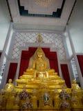 Viel Buddha-Statue in der Sitzen-Lage Stockfotos