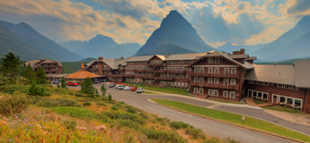 Viel Gletscher-Hotel-Glacier Nationalpark Lizenzfreies Stockbild