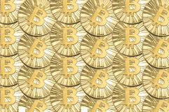 Viel prägt glänzendes Gold Bitcoin für Hintergrund oder Beschaffenheit lizenzfreie stockfotografie