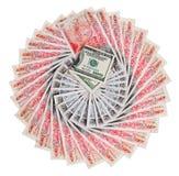 Viele 50 Pfundsterlingbanknoten mit 100 Dollar Stockfotos