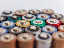 Viele AA-Batterien Stockbild
