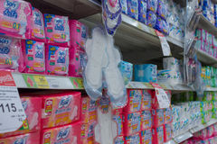 Viele Arten Damenbinde für Menstruation stockfotografie