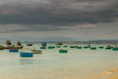 Viele Boote auf dem Meer, fischend im Fischdorf, mui Ne, Vietnam Stockfoto