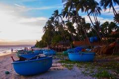 Viele Boote auf dem Meer, fischend im Fischdorf, mui Ne, Vietnam Stockfotografie
