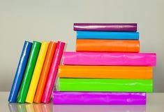 Viele bunten Bücher Lizenzfreies Stockfoto