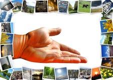 Viele bunten Bilder und Angebothand Stockbild