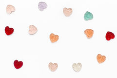 Viele bunten Herzen auf einem weißen Hintergrund Stockfoto