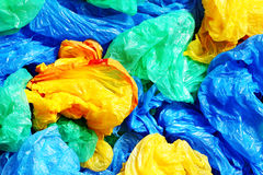 Viele bunten Plastiktaschen Lizenzfreie Stockfotos