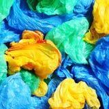 Viele bunten Plastiktaschen Stockfotografie
