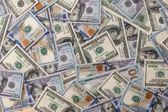 viele 100-Dollar-Banknoten Lizenzfreie Stockfotografie