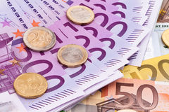 Viele Eurobanknoten Stockfoto