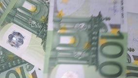 Viele 100 Eurobanknoten stock video footage